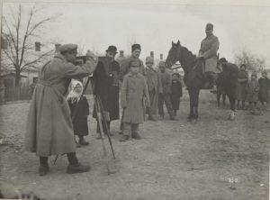 Австро-угорський солдат у фокусі одеського вуличного фотографа